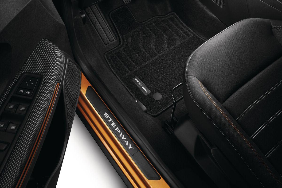 Sandero Stepway III - Set covorase textile Confort (Dacia Original)