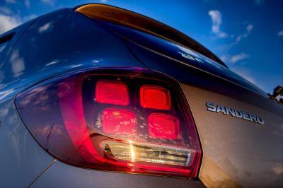 Sandero II (2017-) - Stop spate stanga (Dacia Original)